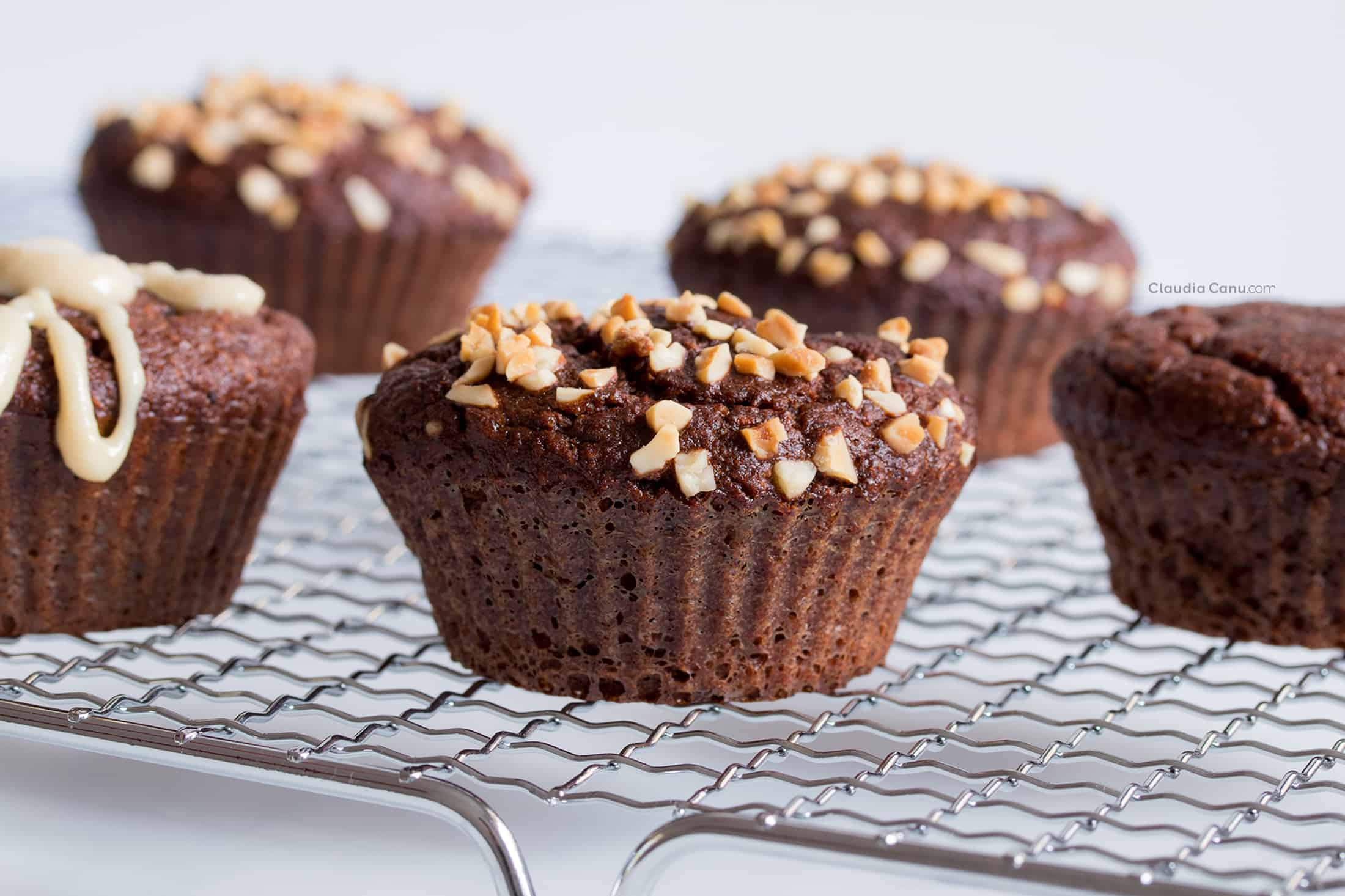 Gluten-free muffins with Chocolate and Carob