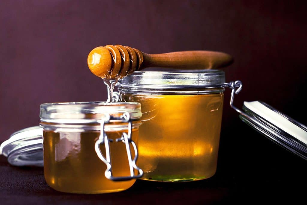 Honey, one of the ingredients you should always keep in your kitchen