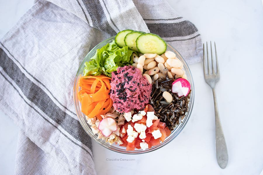 Buddha Bowl from the top against sugar cravings