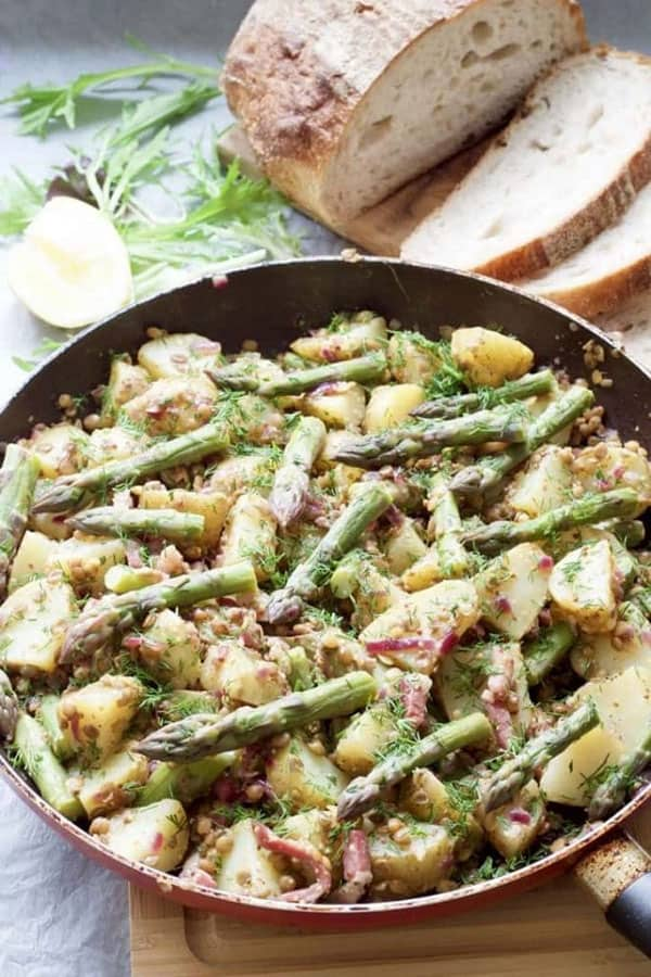 A healthy & easy balanced meal with asparagus