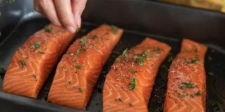 Batch cooking salmon